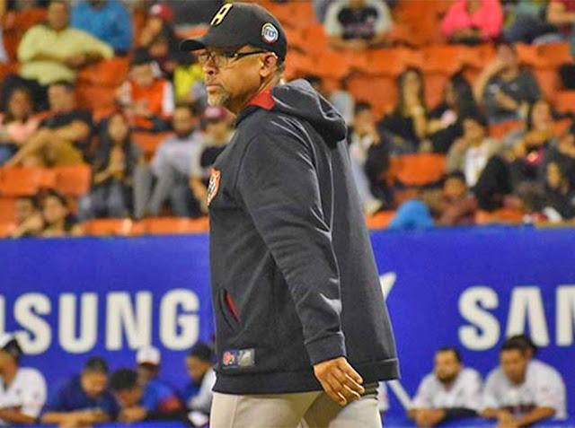 BÉISBOL:  Tigres despidió al mánager Clemente Álvarez.