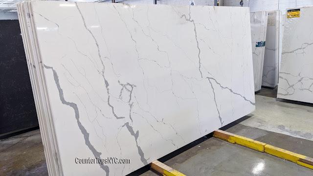 Calacatta Lincoln White Quartz Countertops