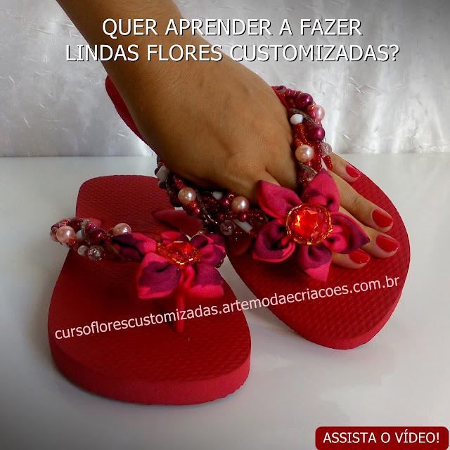 213052e4694d99 Chinelo Customizado com Flor Vermelha Customizada