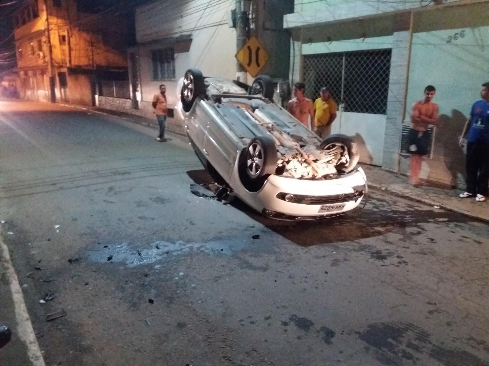 c1ee528e306 Segundo informações o condutor perdeu controle do carro