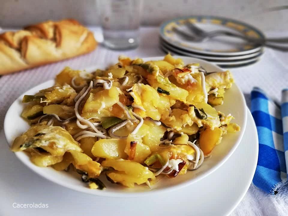 Revuelto de patatas con ajetes tiernos y gulas