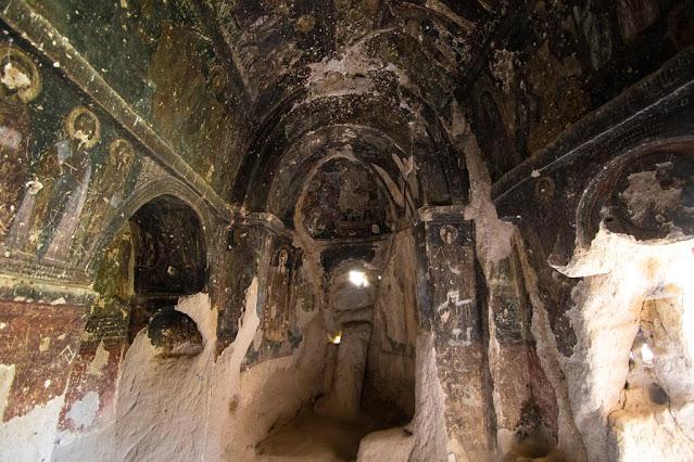 Affreschi in una chiesa rupestre di Belisirma-Cappadocia