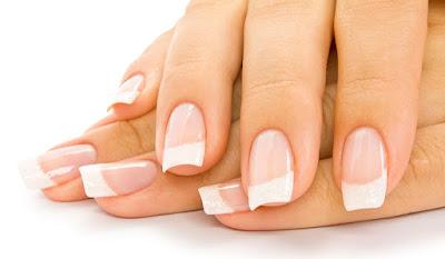 Soin naturel pour renforcer et blanchir les ongles fragiles