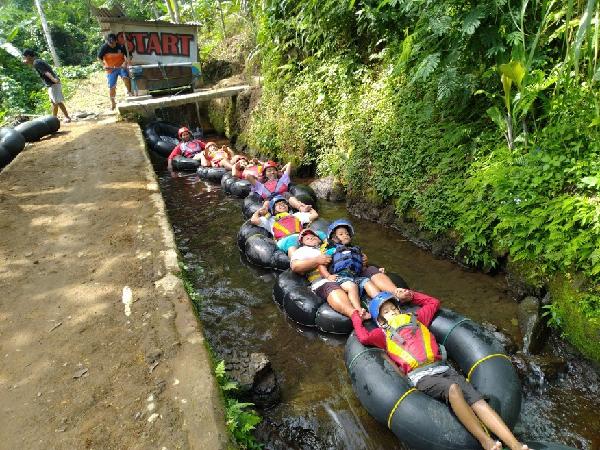 River Tubing Kali Pucung