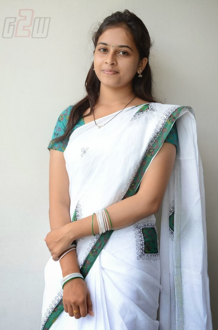 South Actress Hot Pics South Actress Sri Divya Latest -7290