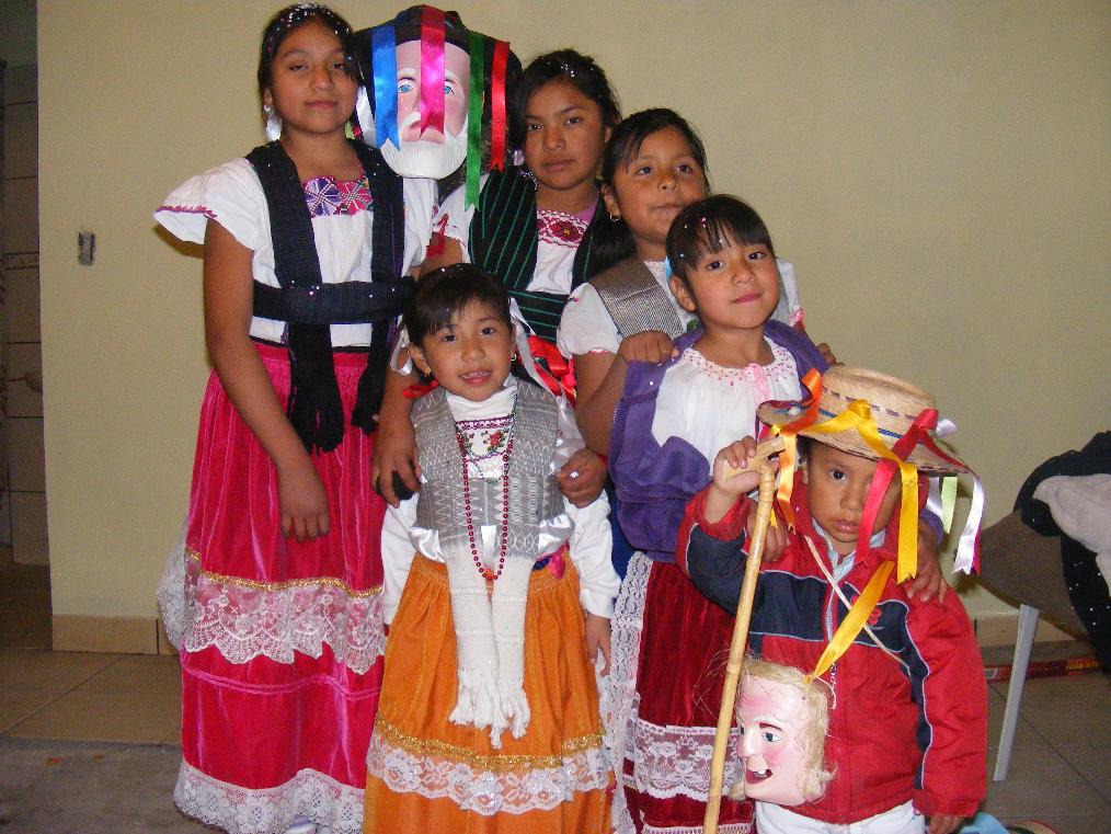8b944cd4ba Raices Culturales   VESTIMENTA Y ARTESANÍAS