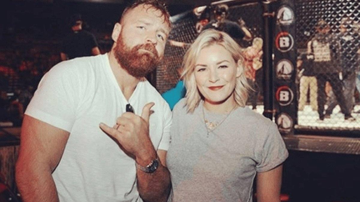 Jon Moxley aceitaria treinar sua filha caso ela queira se tornar lutadora