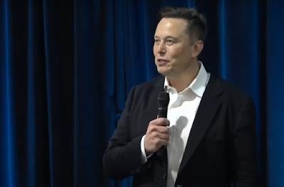 Elon Musk presenting Neuralink