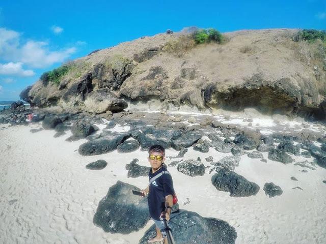 Bebatuan di Tanjung Bongo Lombok Tengah, sumber ig @irfan_nofiansyah
