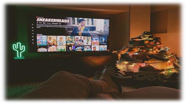 Watching-Netflix-on-TV