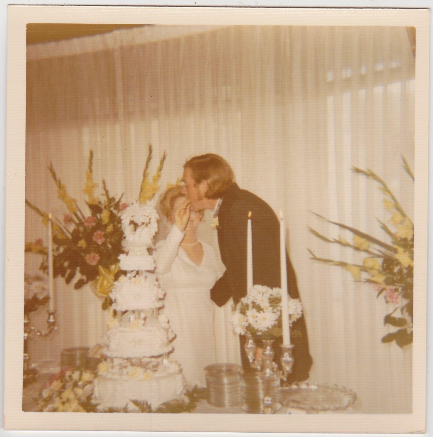 70 interesting vintage polaroid snaps of weddings in the