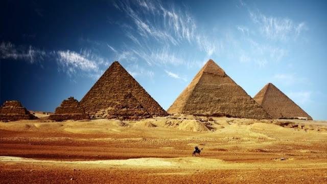 Pirámide De Giza muestra'La fecha exacta del fin del mundo'