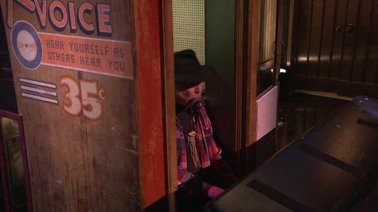 Neil Young in der Recording Booth