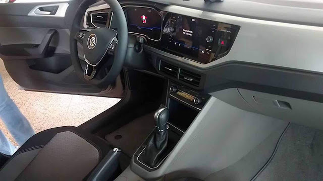 VW Virtus Highline TSI - interior