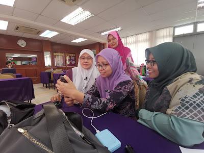 Cikgu Hailmi dengan perkongsian penghasilan video PdPc menggunakan smartphone