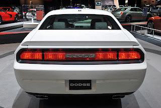 2018 Dodge Challenger Vs 2018 SRT Barracuda Review