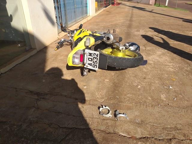 Acidente de moto em frente a C. Vale em Roncador