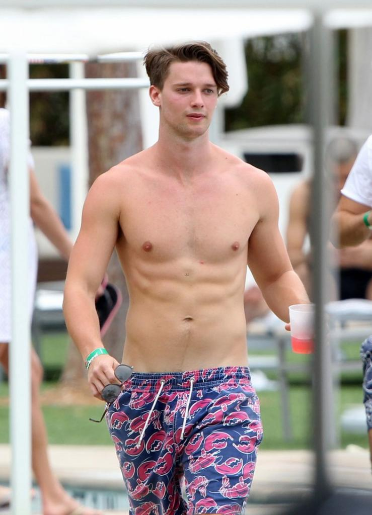 The Stars Come Out To Play: Ross Williams - New Shirtless