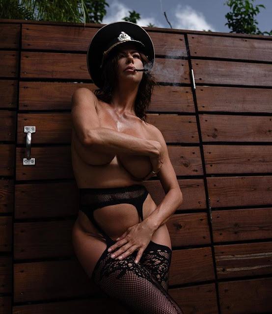 Alexis Fawx Hot & Sexy Pics