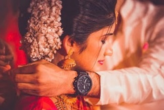 Traditional Kerala Hindu Wedding Highlights {Aravind & Krishna}