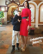 10 Adorable Photos Of Ekaterina Lisina: The Tallest Woman In The World
