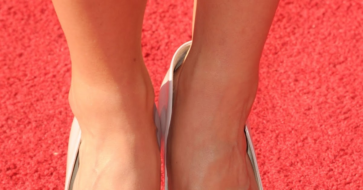 Celebrity Feet: Danica Patrick