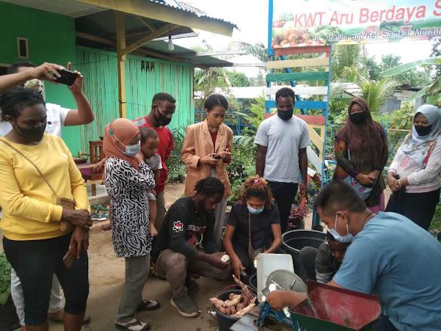 Adli Food, KWT Aru dan Menoken Merauke Lakukan Pelatihan Peningkatan Nilai Pangan Lokal.lelemuku.com.jpg