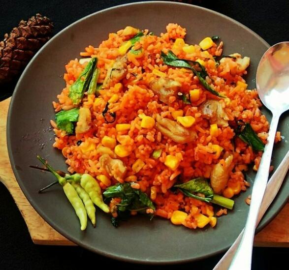 Nasi goreng jagung pedas