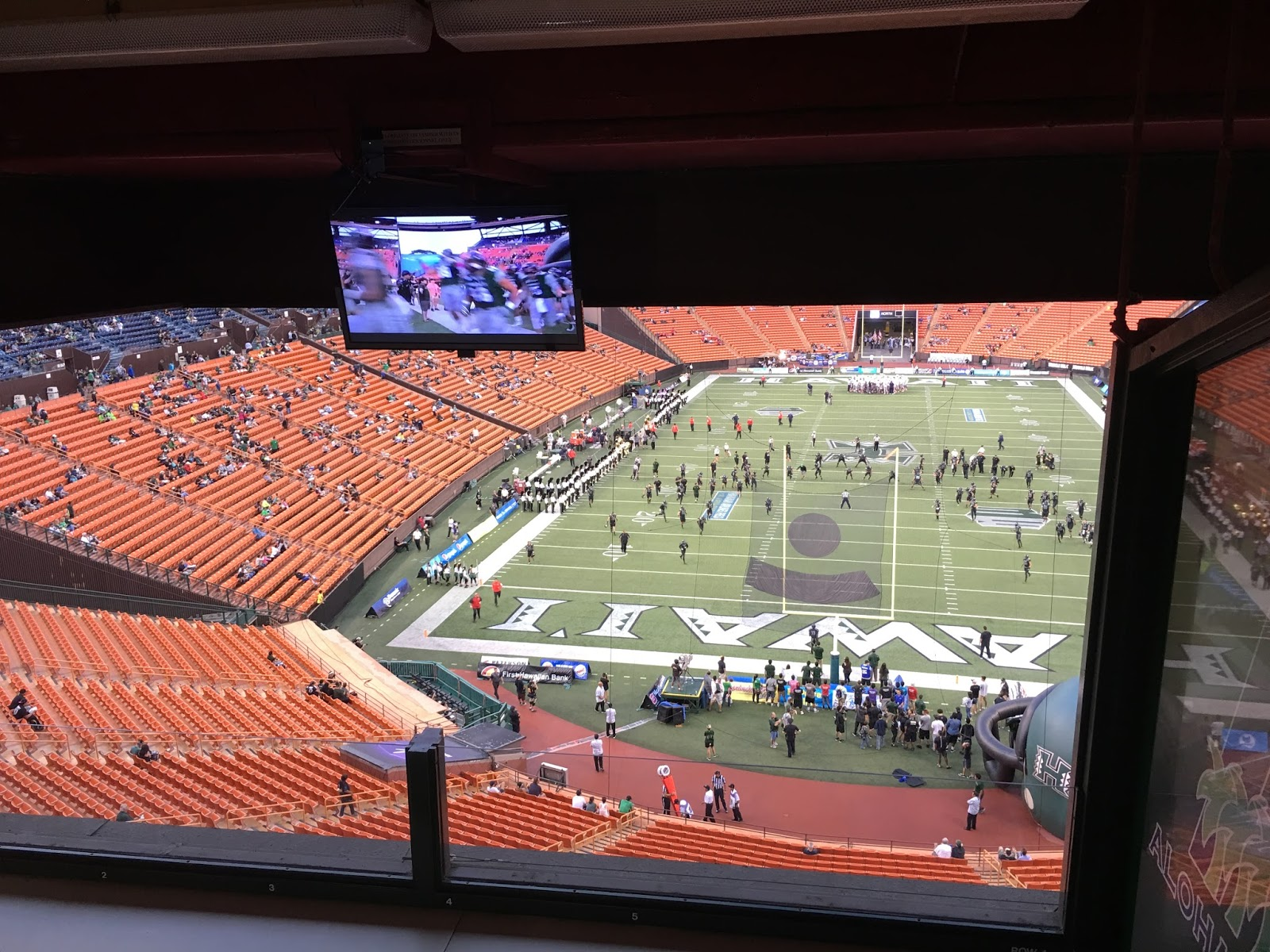 TASTE OF HAWAII: ALOHA STADIUM SKY SUITES - HAWAII WARRIOR FOOTBALL