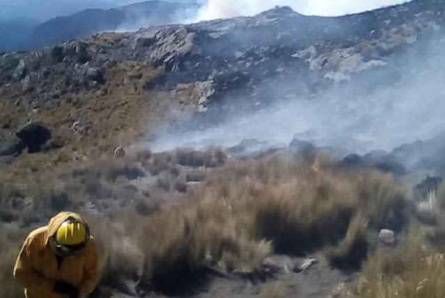 Informa Semarnat sobre incendio forestal en el volcán Iztaccíhuatl, registrado ayer en el estado de México