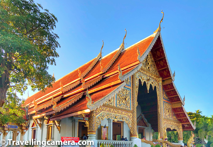 Wat Phra Singh is located close to Wat Chedi Lunag and nearby old city of Chiang Mai in Thailand. The main entrance is guarded by lions. Wat Pra Singh is situated at the end of the main street of Chiang Mai, where Sunday market takes place.