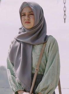 Foto Maizura pakai jilbab hijab kerudung