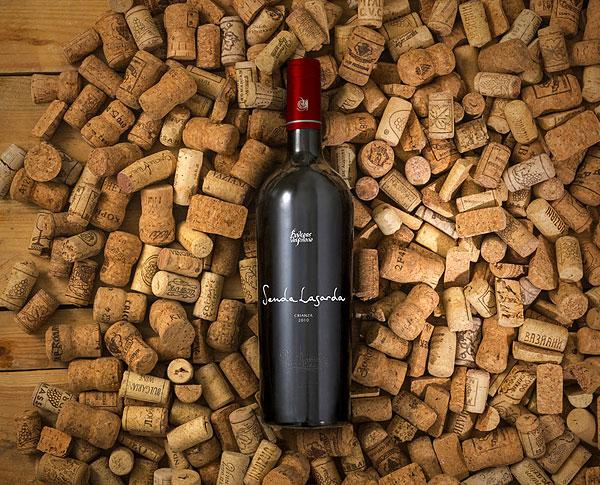 Realistic Wine Mockup Set