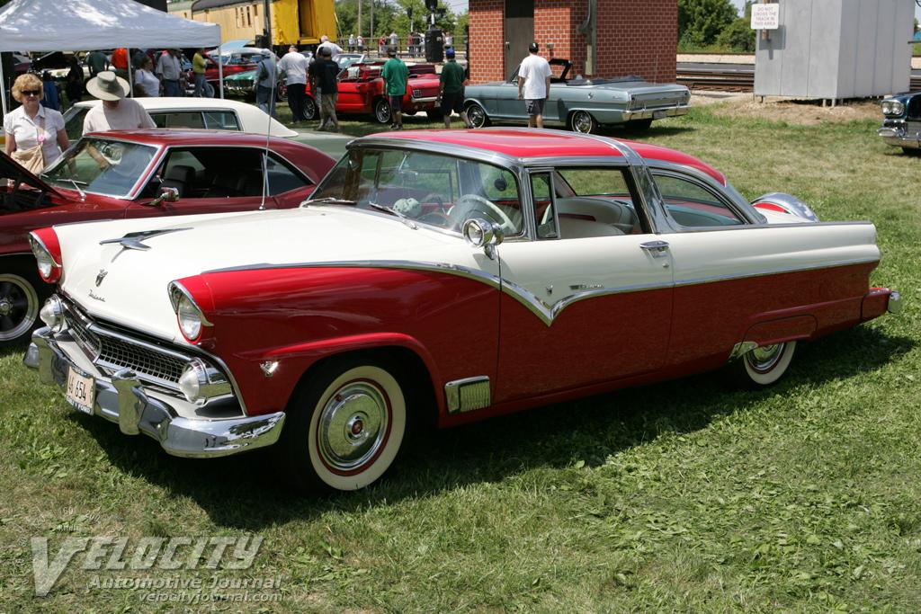 1955 Ford Fairlane Victoria Hardtop