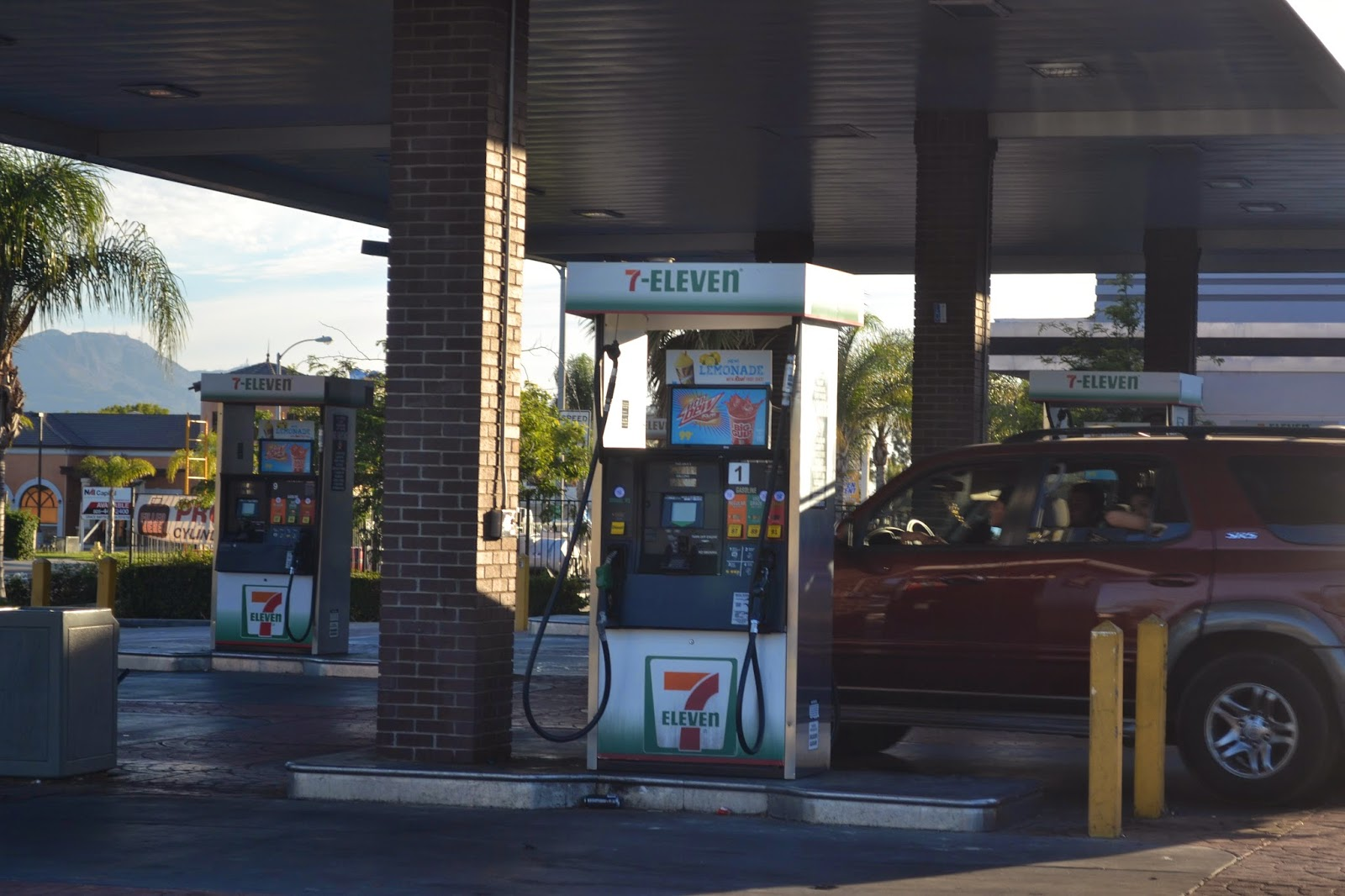 Oren S Money Saver 7 11 Is A Gas Station