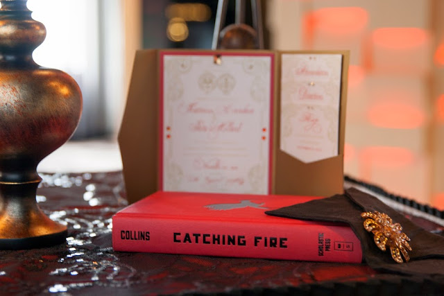 hunger+games+catching+fire+wedding+katniss+peeta+gale+red+black+gold+inspiration+theme+party+birthday+dress+cake+bouquet+jennifer+lawrence+josh+hutchinson+liam+hemsworth+sam+calflin+lilly+and+lilly+photography+21 - Catching Fire