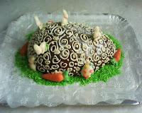 bolo em forma de ovo