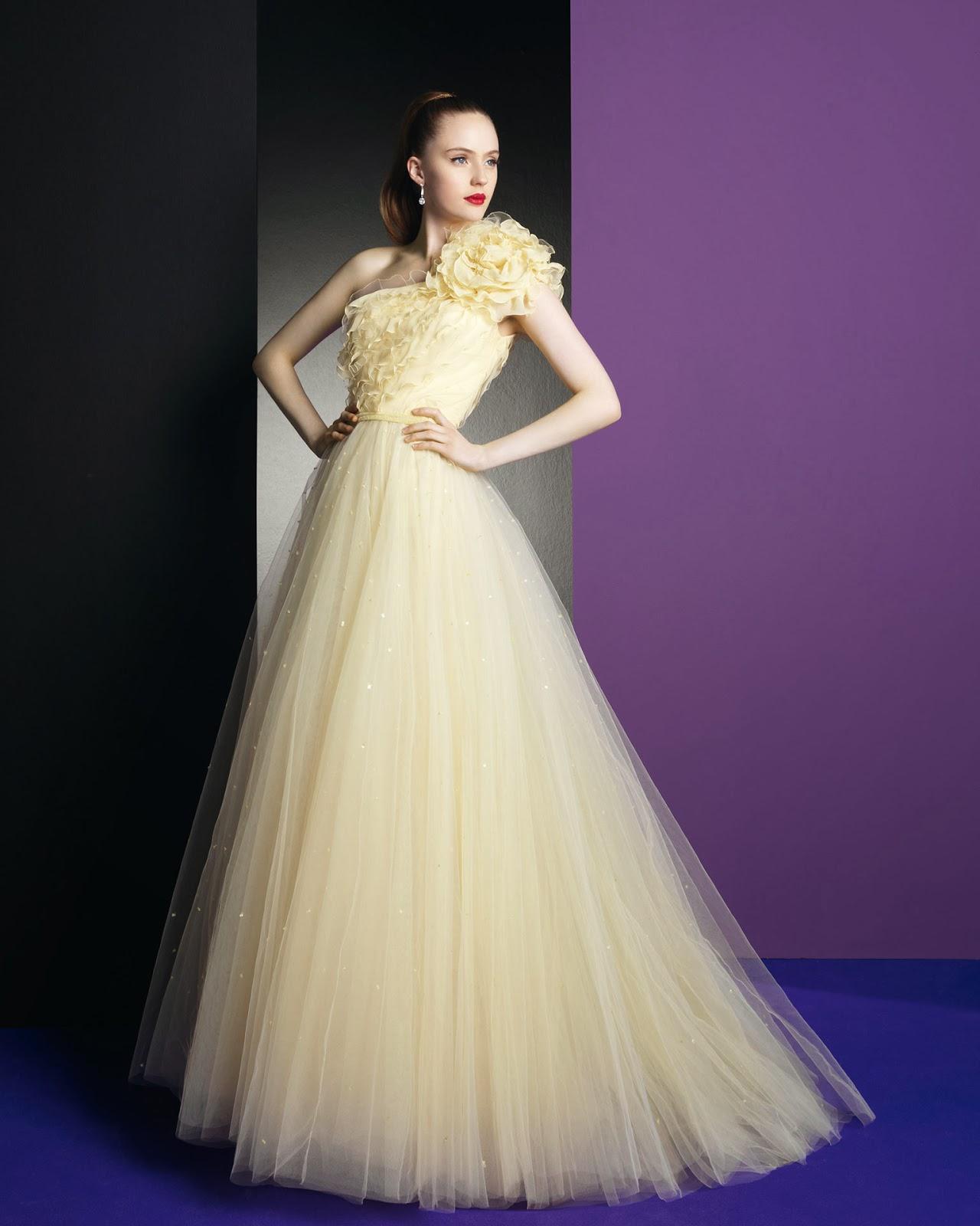 Encantador En Su Vestido De Novia Ideas Ornamento Elaboración ...