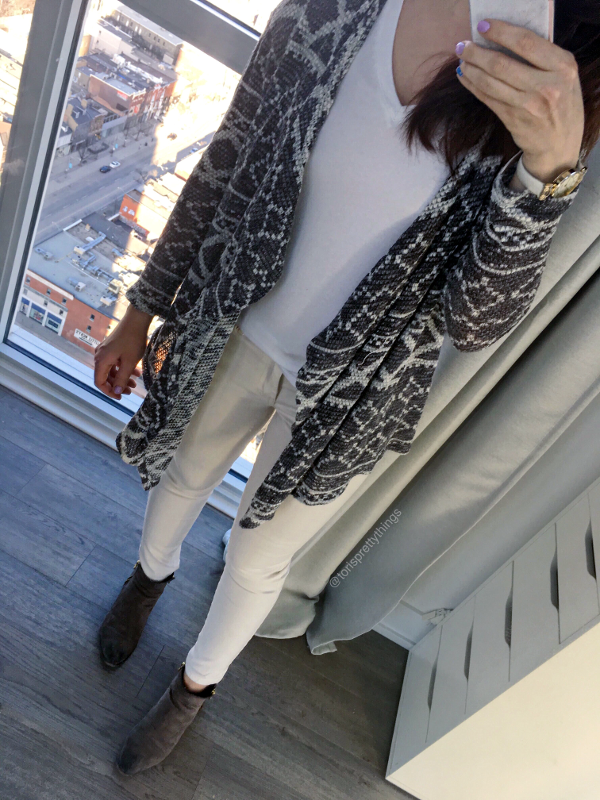 Neutral Everyday Spring Outfit - Tori's Pretty Things Blog
