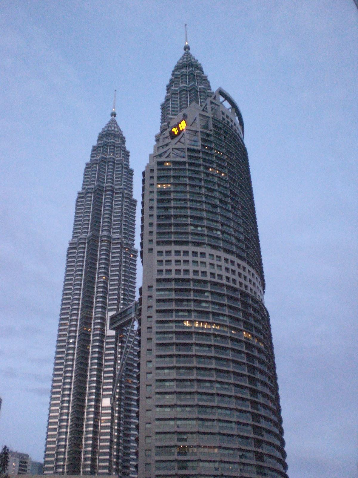 petronas twins tower menara kembar tertinggi di dunia mochamad rh yusufsantoso blogspot com Gambar Menara Petronas KLCC Tower