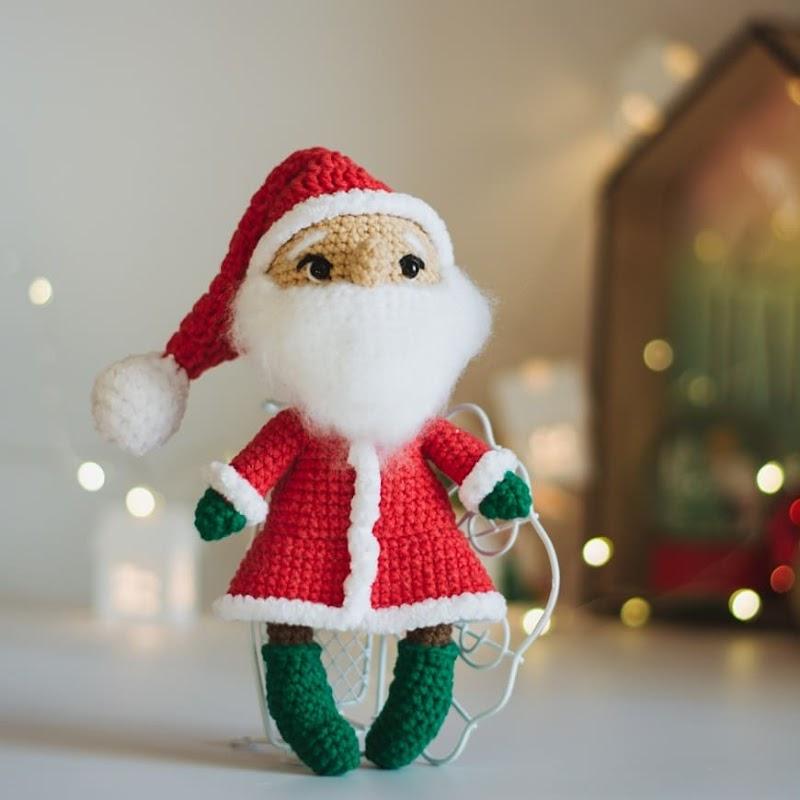 Вязаная игрушка Дед Мороз крючком
