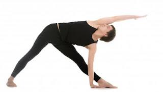 त्रिकोणासन- रखे- दुरूस्त- मांसपेशियां- पाचन- वजन,  Trikonasana- Benefits- in-Hindi, Trikonasana, Triangle Pose