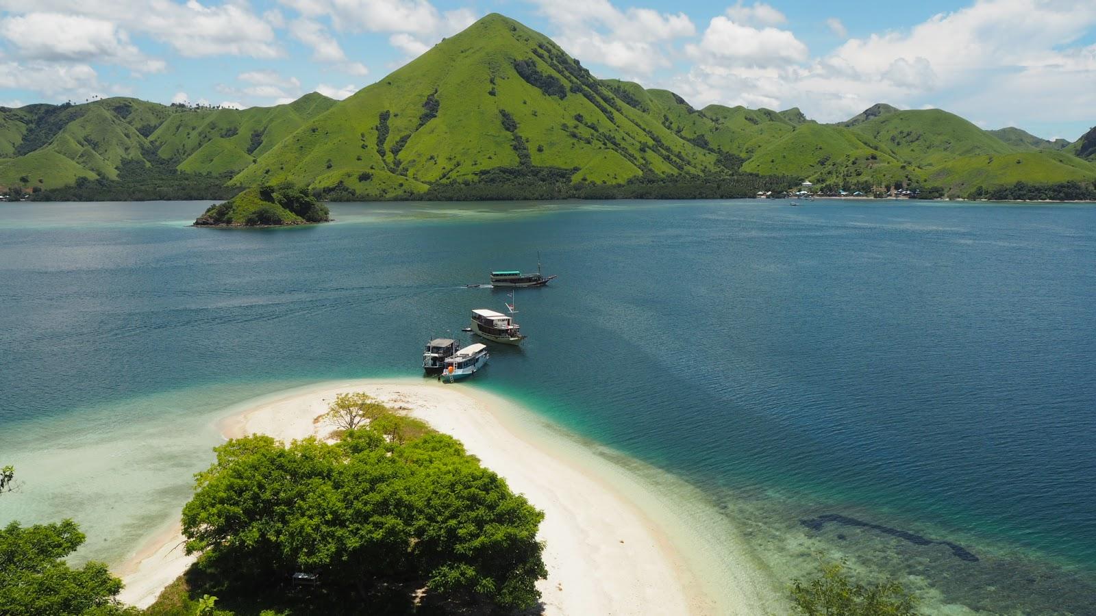 Flores Magic Tour Sailing Komodo 4h3m Start Dari Labuan Bajo Open Trip Paket Kepulauan 3h2m