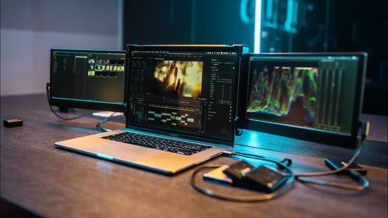 OFIYAA Unveils Revolutionary Portable OFIYAA Tri-Screen