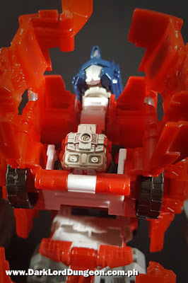 Mounting Ginrai inside Powermaster Optimus Prime