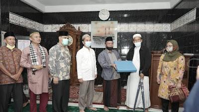 Kunjungi Mesjid Nurul Pasti Di Solsel, TSR Prov. Sumbar Berikan Bantuan Rp. 20 Juta