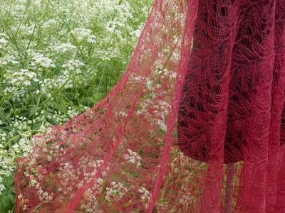 Roze sjaals, rode shawls,stola,omslagdoeken,gebreide sjaals.