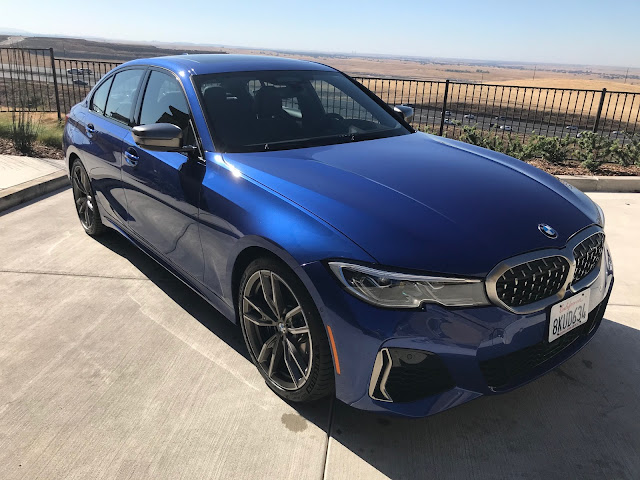 Front 3/4 view of 2020 BMW M340i