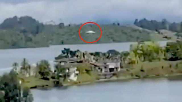 Ovni aterriza cerca de chozas en una isla en la jungla (30 de noviembre de 2020) Cali, Colombia
