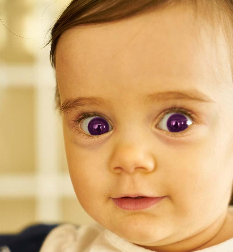 Akhir dari proses mengganti warna mata dengan Photoshop